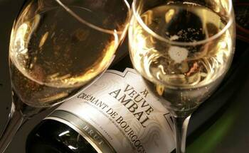 To accompany your Galette des Rois 2021 (King Cake), there's nothing like a Crémant de Bourgogne